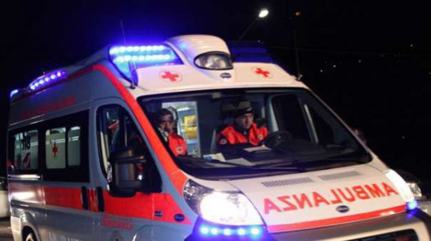 incidente stradale, Messina, Sicilia, Cronaca
