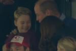 Baby George e la sua passione per il calcio: il video mentre esulta allo stadio