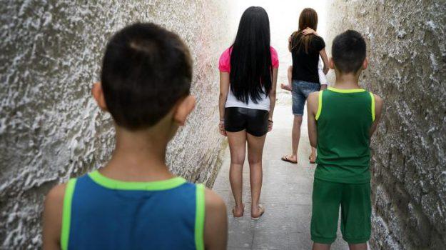 dispersione scolastica, povertà, save the children, scuola, Giulio Cederna, Sicilia, Cronaca