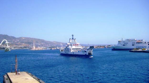 stretto di messina, trasporti, Messina, Sicilia, Cronaca