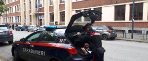 Milano, bimbo di 6 anni cade nella tromba delle scale a scuola: è grave
