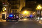 """Chiedono da bere in un bar nella """"zona rossa"""" di Lamezia armati di spranghe, due arresti"""