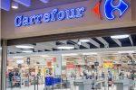 """Licenziamenti al Carrefour di Crotone, l'azienda: """"Ci dissociamo"""""""