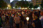 Strage sulla statale 107, fiaccole e lacrime a Cosenza in memoria delle 4 vittime - Foto