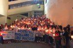 Maestre sospese per maltrattamenti, a Crotone una fiaccolata a loro sostegno - Foto