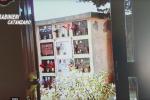 Rubava portafogli al cimitero di Gizzeria, preso grazie alle telecamere - Video