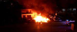 Incendi e intimidazioni a scopo di estorsione: cinque arresti a Cassano