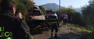 Terribile incidente nel Palermitano, vittime 2 ragazzi di 16 e 18 anni: arrestato l'autista 20enne