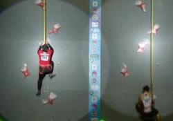 La nuova «Spider-Woman»: la giovane Aries abbatte il muro dei 7 secondi Nuovo record della 24enne indonesiana Aries Susanti Rahayu nell'arrampicata sportiva - CorriereTV
