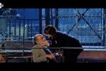 Monica Bellucci bacia Alessandro Haber: a «Maledetti Amici Miei» il remake della scena cult di Manuale d'Amore 2