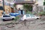 Strade come fiumi a Messina, le immagini dai quartieri inondati dall'acqua - Video