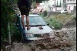 Nubifragio a Messina, paura a San Michele: auto trascinate dall'acqua