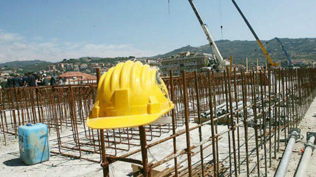 fasce deboli Sicilia, finanziamenti Sicilia, politiche abitative, marco falcone, Nello Musumeci, Messina, Sicilia, Economia