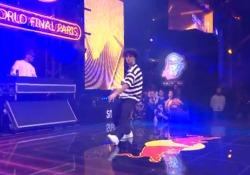 Parigi, la finale mondiale di Street Dance: vince l'olandese Shinshan Le straordinarie immagini delle sfide uno contro uno nella Red Bull Dance Your Style World Final - Corriere TV