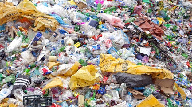 commissario, emergenza rifiuti, sindaci, Cosenza, Calabria, Cronaca