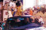 San Luca, il santo patrono va in processione in Suv: «Non si trovano più i portatori»