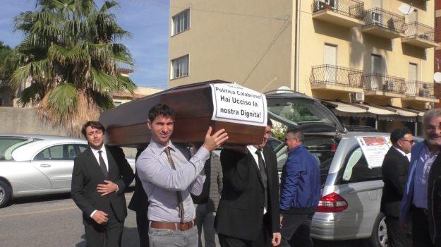 consiglio regionale, protesta, Reggio, Calabria, Cronaca
