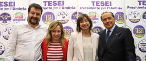 Matteo Salvini con Giorgia Meloni, Donatella Tesei e Silvio Berlusconi