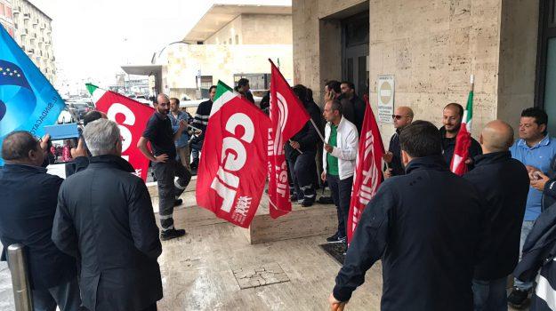 blu jet, protesta, Carmelo Garufi, Michele Barresi, Messina, Sicilia, Economia