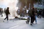 Supermercato dato alle fiamme in Cile, almeno tre morti: dichiarato lo stato di emergenza
