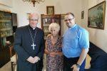 Brolo, solidarietà del vescovo all'anziana rapinata