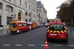 """Strage in questura a Parigi, un testimone: """"Il killer urlò Allah Akbar la sera prima"""""""