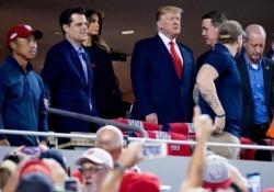 Trump fischiato allo stadio: «Rinchiudetelo!» Il presidente Usa era allo stadio Nationals Park di Washington per la partita del World Series di baseball - CorriereTV