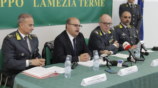 droga, lamezia terme, reddito di cittadinanza, spaccio, Catanzaro, Calabria, Cronaca