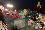 """""""Il boato, poi le grida"""", tre vigili del fuoco morti a Quargnento: le foto dopo l'esplosione"""