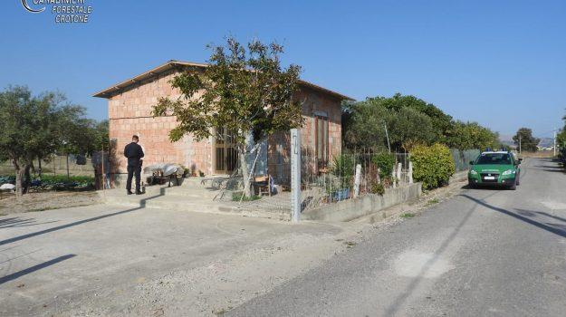 abusivismo, strongoli, Catanzaro, Calabria, Cronaca