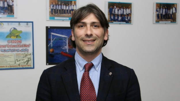 inchiesta, piscina crotone, Giuseppe Frisenda, Ugo Pugliese, Catanzaro, Calabria, Politica
