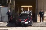 Furti negli appartamenti, a Messina arrestati due giovani: il video dei ladri in azione