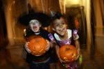 Va in scena la notte degli zombie, Halloween in giro per il mondo