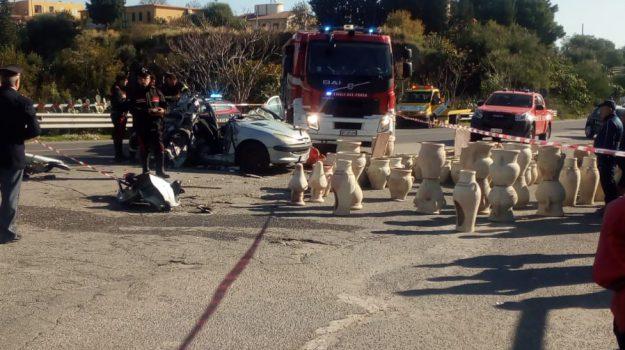 incidente mortale, melito porto salvo, statale 106, Pietro Casile, Reggio, Calabria, Cronaca