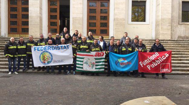 manifestazione vigili del fuoco, protesta vigili, vigili del fuoco cosenza, Cosenza, Calabria, Cronaca