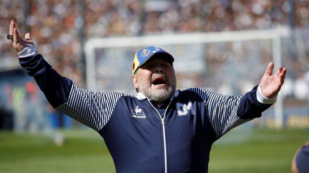 """Maradona attacca i figli: """"Non sto morendo, non vi lascerò ..."""