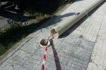 Pioggia e vento abbattono decine di pali della luce a Messina, la mappa degli interventi - Foto