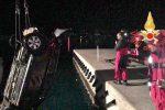Auto precipita in mare nel porto di Villa, illeso il conducente