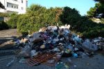Commemorazione dei defunti, a Reggio ripuliti i cimiteri: rimosse tonnellate di rifiuti - Foto