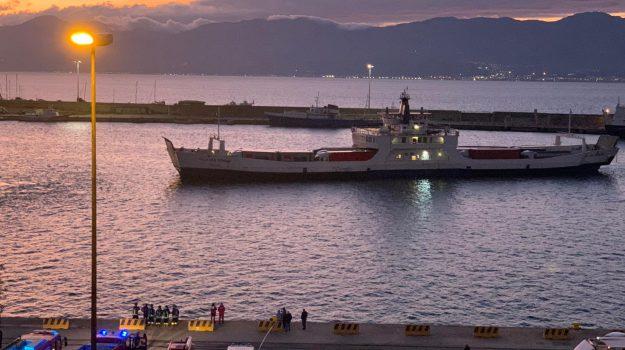 incendio, stretto di messina, traghetto, Sicilia, Cronaca