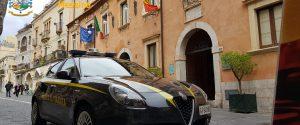 Avvocato arrestato a Taormina, intascava i soldi delle bollette dell'acqua pagate dagli utenti morosi