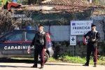 Minaccia la madre con un coltello e la rinchiude in una stanza: arrestato a Francica