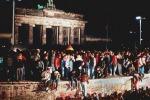 Berlino celebra domani il trentennale della caduta del Muro