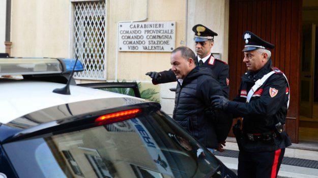 arresto vibo, corriere della droga, marijuana, Francesco Fiumara, Catanzaro, Calabria, Cronaca