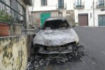 Auto in fiamme, il boato spaventa Corigliano: incendio doloso
