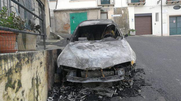 corigliano, incendio auto, Cosenza, Calabria, Cronaca
