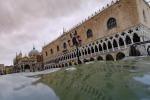 Venezia: l'Ue è 'pronta a sostenere l'Italia'