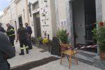 Crolla ossario in un cimitero del Palermitano: due donne ferite, una è grave