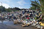 Sui rifiuti la Regione Calabria adotta il pugno duro contro i Comuni inadempienti