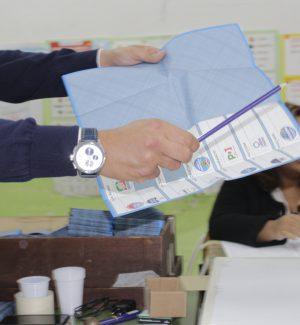 Exit poll comunali in Calabria: a Reggio pari Falcomatà-Minicuci, a Crotone avanti Voce